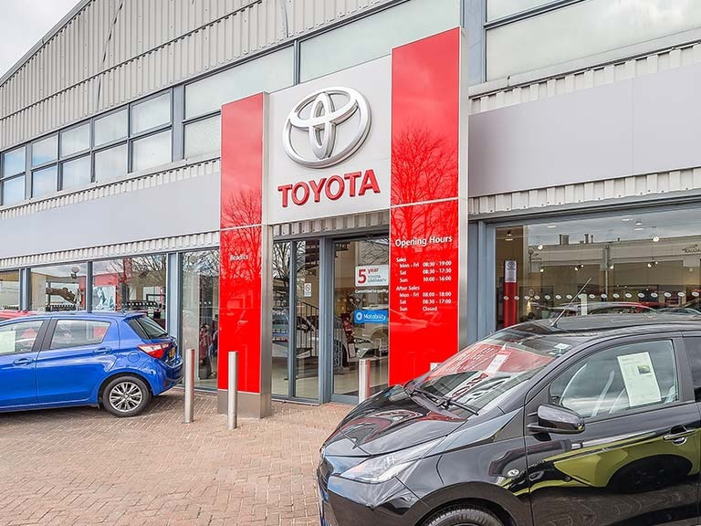 Contact Toyota Dealers In Maidstone Kent Beadles Toyota